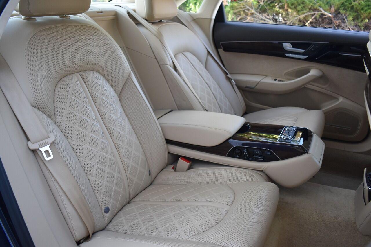 2017 Audi A8 L 4.0T quattro Sport AWD 4dr Sedan full