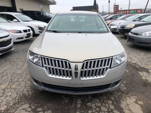 2010 Lincoln MKZ for sale at Six Brothers Auto Sales in Youngstown OH