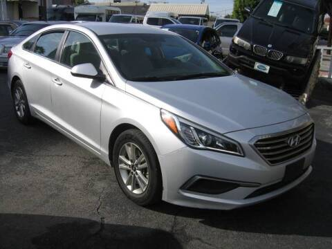 2017 Hyundai Sonata for sale at In-House Auto Finance in Hawthorne CA