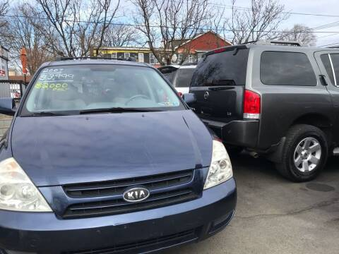 2007 Kia Sedona for sale at Chambers Auto Sales LLC in Trenton NJ