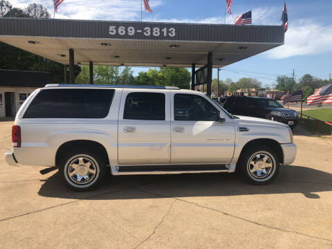 2005 Cadillac Escalade ESV for sale at BOB SMITH AUTO SALES in Mineola TX