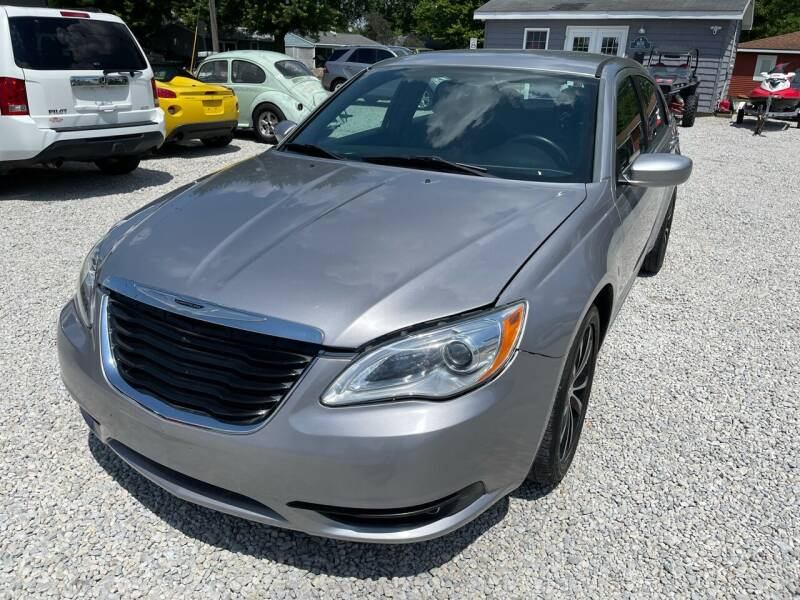 2014 Chrysler 200 for sale at Davidson Auto Deals in Syracuse IN