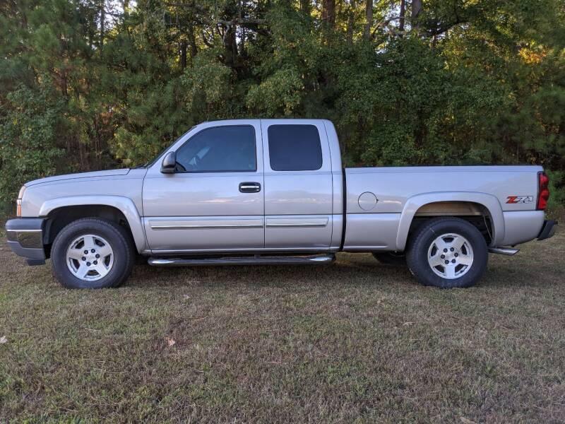 2005 Chevrolet Silverado 1500 for sale at Harris Motors Inc in Saluda VA