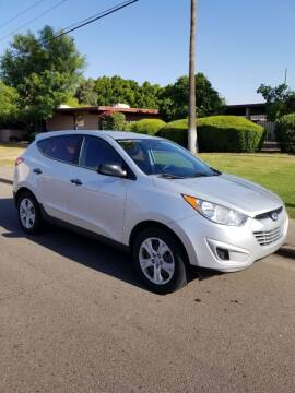 2010 Hyundai Tucson for sale at Premier Motors AZ in Phoenix AZ