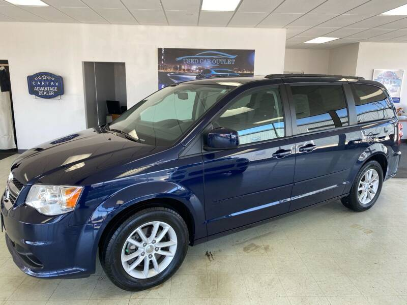 2015 Dodge Grand Caravan for sale at Used Car Outlet in Bloomington IL