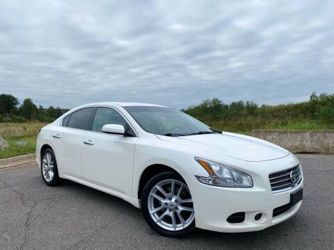 2011 Nissan Maxima for sale at Super Bee Auto in Chantilly VA