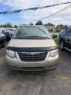 2007 Chrysler Town and Country for sale at Stewart's Motor Sales in Byesville OH