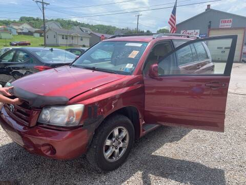 2004 Toyota Highlander for sale at Trocci's Auto Sales in West Pittsburg PA