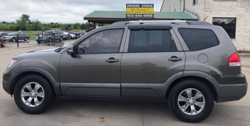 2009 Kia Borrego for sale at Driver's Choice in Sherman TX