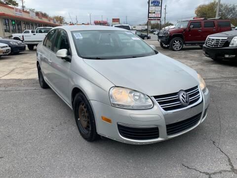 2010 Volkswagen Jetta for sale at Diana Rico LLC in Dalton GA