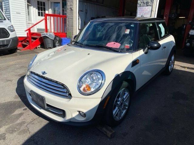 2013 MINI Hardtop for sale at Drive Deleon in Yonkers NY