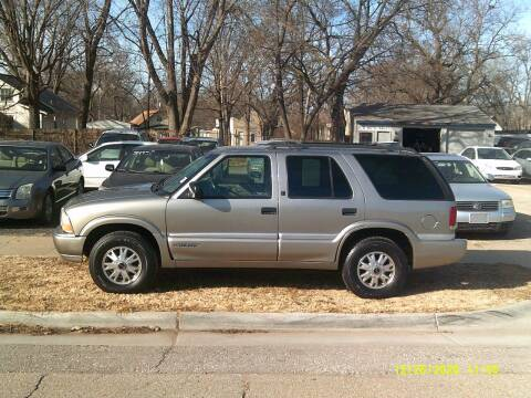 2000 GMC Jimmy for sale at D & D Auto Sales in Topeka KS