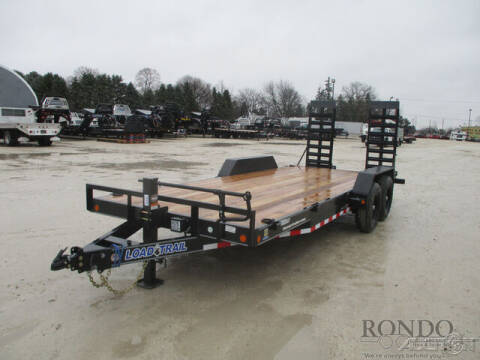 2021 Load Trail Equipment XH8320072 for sale at Rondo Truck & Trailer in Sycamore IL