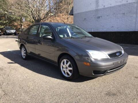 2005 Ford Focus for sale at Select Auto in Smithtown NY