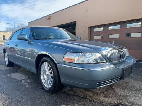 2004 Lincoln Town Car for sale at Martys Auto Sales in Decatur IL
