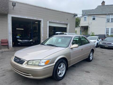 2001 Toyota Camry for sale at Global Auto Finance & Lease INC in Maywood IL