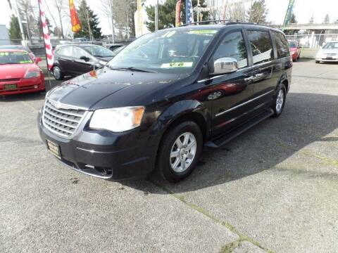 2010 Chrysler Town and Country for sale at Gold Key Motors in Centralia WA