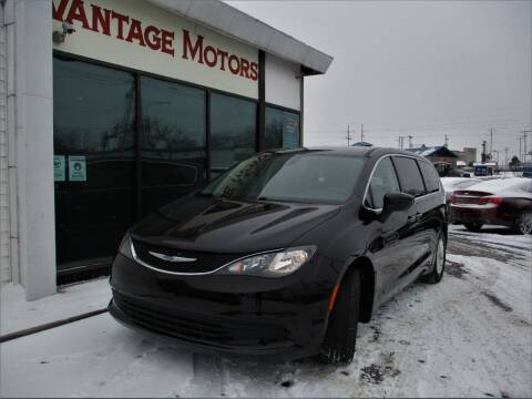 2018 Chrysler Pacifica for sale at Vantage Motors LLC in Raytown MO