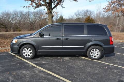 2012 Chrysler Town and Country for sale at GLADSTONE AUTO SALES    GUARANTEED CREDIT APPROVAL in Gladstone MO