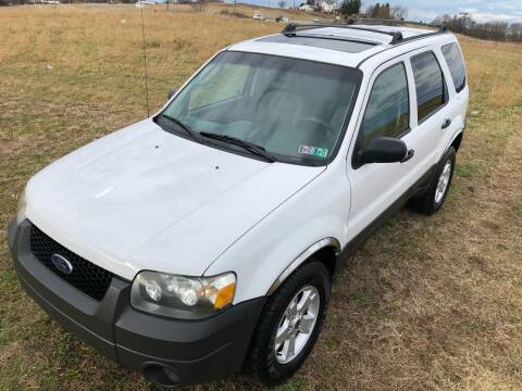 2005 Ford Escape for sale at Linda Ann's Cars,Truck's & Vans in Mount Pleasant PA