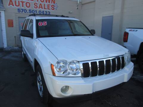 2005 Jeep Grand Cherokee for sale at Small Town Auto Sales in Hazleton PA