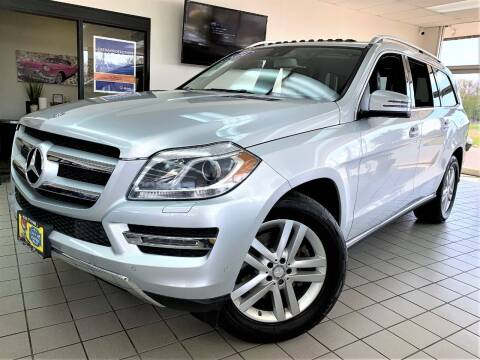 2014 Mercedes-Benz GL-Class for sale at SAINT CHARLES MOTORCARS in Saint Charles IL