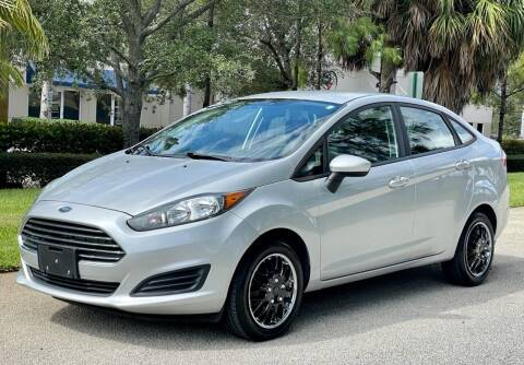2015 Ford Fiesta for sale at VE Auto Gallery LLC in Lake Park FL
