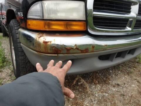 2000 Dodge Dakota for sale at CARZ R US 1 in Heyworth IL