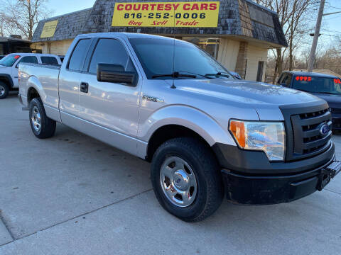 2010 Ford F-150 for sale at Courtesy Cars in Independence MO