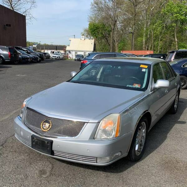 2009 Cadillac DTS for sale at CRS 1 LLC in Lakewood NJ