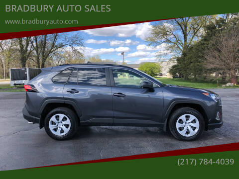 2019 Toyota RAV4 for sale at BRADBURY AUTO SALES in Gibson City IL