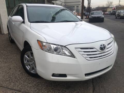 2007 Toyota Camry for sale at Illinois Auto Sales in Paterson NJ