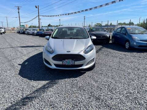 2015 Ford Fiesta for sale at Velascos Used Car Sales in Hermiston OR