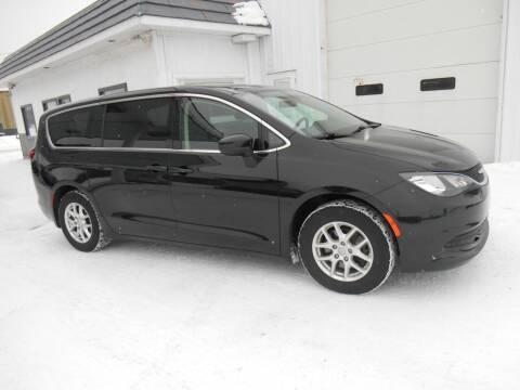 2018 Chrysler Pacifica for sale at Unity Motors LLC in Jenison MI