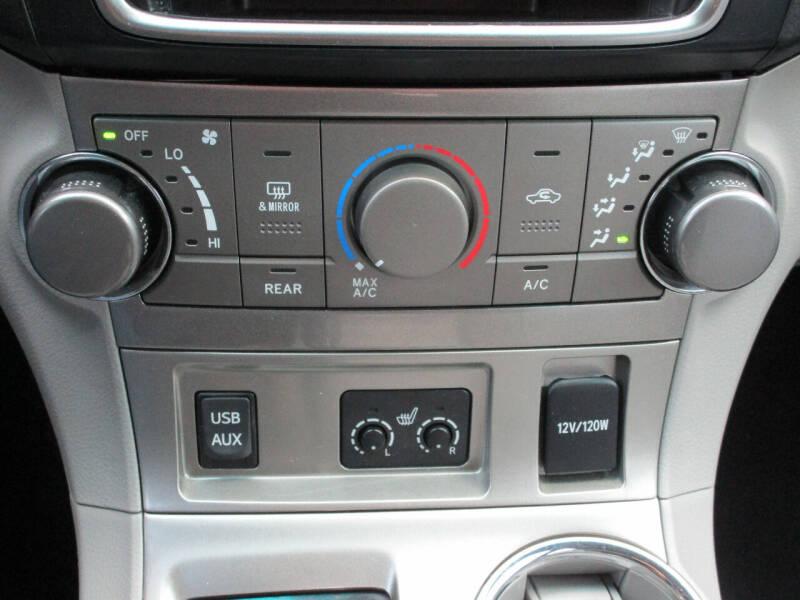 2013 Toyota Highlander SE 4dr SUV - Dallas TX