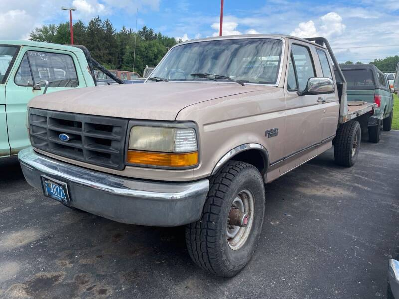 1992 Ford F-250 for sale at FIREBALL MOTORS LLC in Lowellville OH