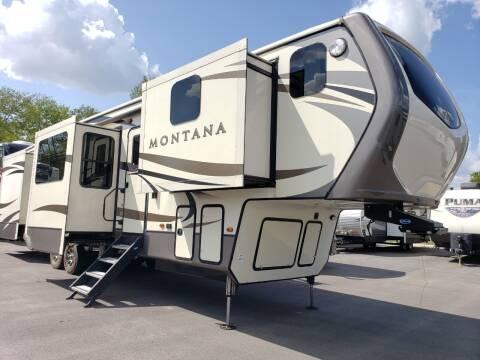 2018 Keystone Montana 3820FK for sale at Ultimate RV in White Settlement TX