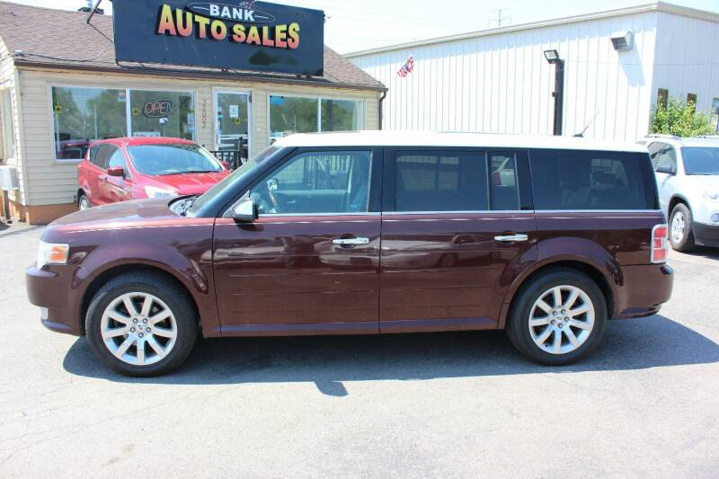 2009 Ford Flex for sale at BANK AUTO SALES in Wayne MI