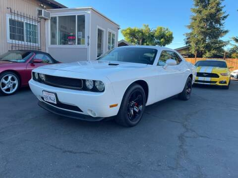 2013 Dodge Challenger for sale at Ronnie Motors LLC in San Jose CA