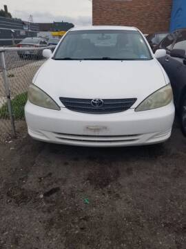 2003 Toyota Camry for sale at The Bengal Auto Sales LLC in Hamtramck MI