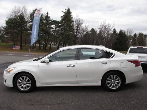 2014 Nissan Altima for sale at GEG Automotive in Gilbertsville PA