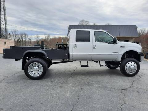 2004 Ford F-350 Super Duty for sale at G AND J MOTORS in Elkin NC