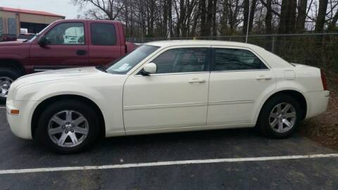 2007 Chrysler 300 for sale at AFFORDABLE DISCOUNT AUTO in Humboldt TN