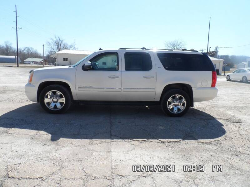 2010 GMC Yukon XL for sale at Town and Country Motors in Warsaw MO