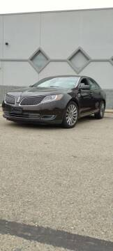 2013 Lincoln MKS for sale at Double Take Auto Sales LLC in Dayton OH