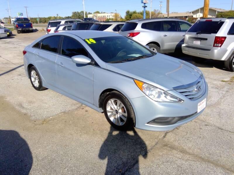 2014 Hyundai Sonata for sale at Regency Motors Inc in Davenport IA