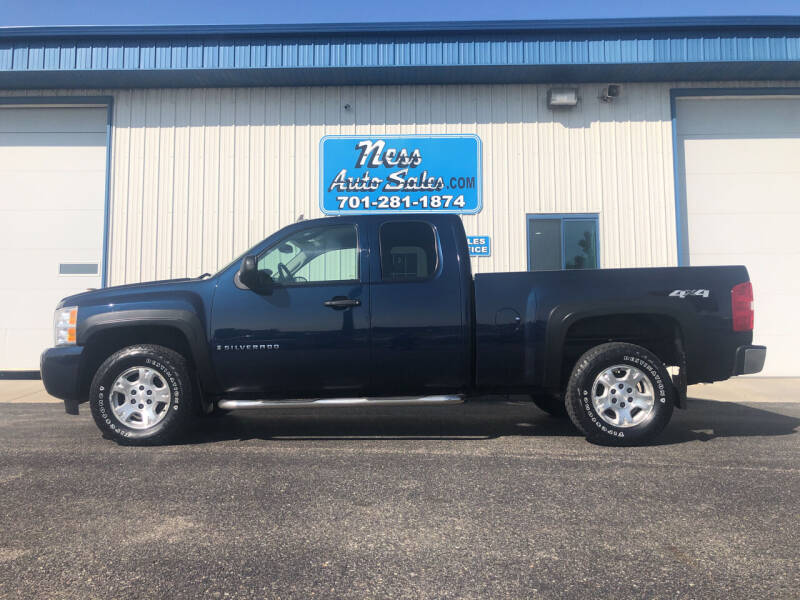 2008 Chevrolet Silverado 1500 for sale at NESS AUTO SALES in West Fargo ND