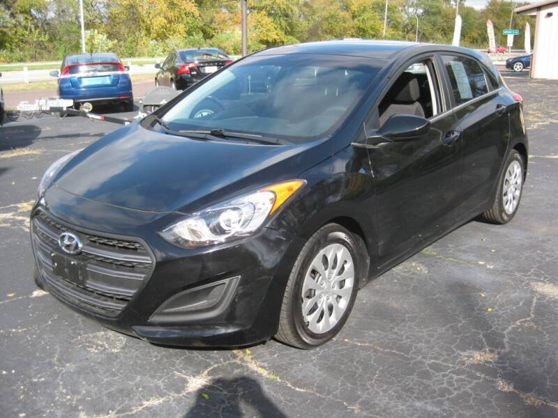 2016 Hyundai Elantra GT for sale at Pre-Owned Imports in Pekin IL