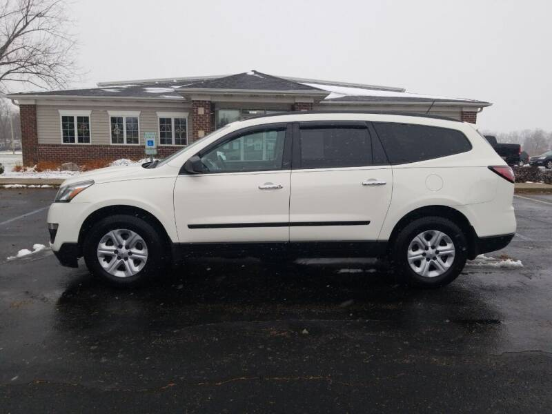 2014 Chevrolet Traverse for sale at Pierce Automotive, Inc. in Antwerp OH