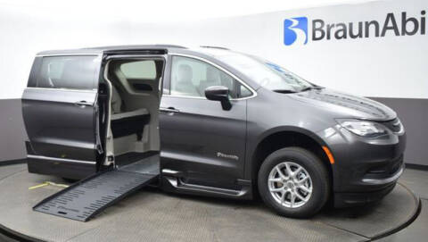 2021 Chrysler Voyager for sale at A&J Mobility in Valders WI
